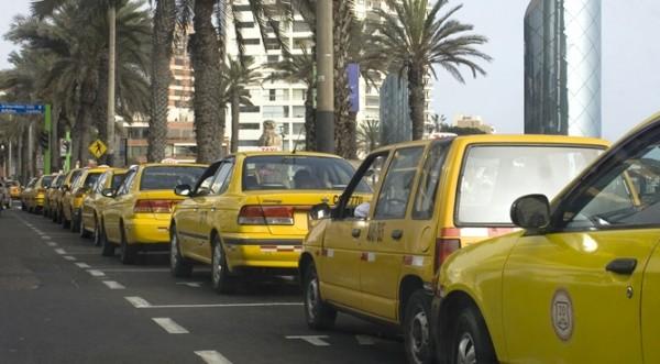Estudian norma para limitar la cantidad de taxis en Lima