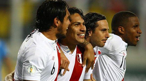 Perú empató 1-1 ante Túnez