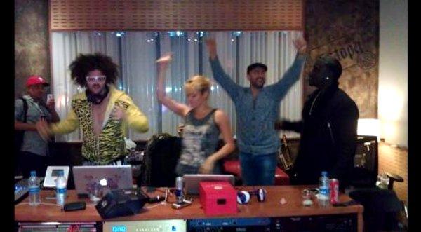 Shakira graba nuevo álbum en compañía de otros artistas