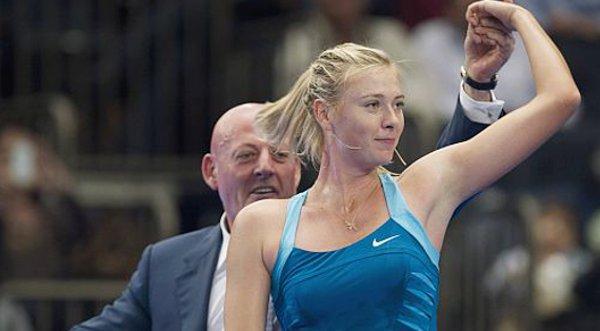 Sharapova bailó con aficionado en Nueva York