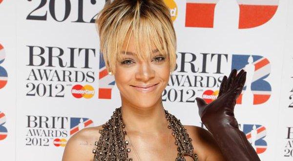 Rihanna Alista Su  Reality  Show De Moda