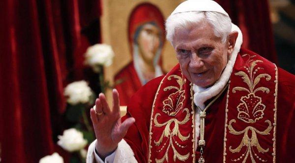Benedicto XVI renunció a seguir siendo papa