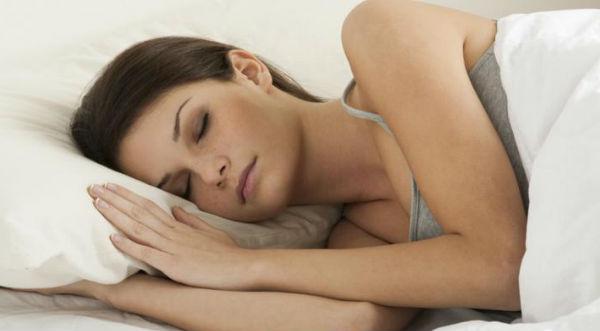 ¿Sabías que NO es saludable dormir menos de 8 horas?