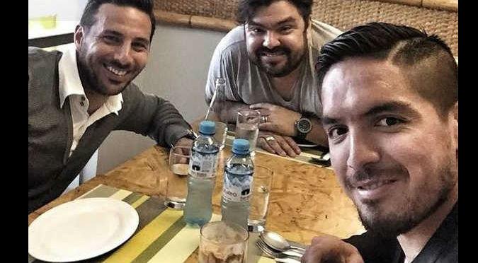 Descubre qué hicieron Pizarro y el 'loco' Vargas para olvidar el empate con México - FOTO