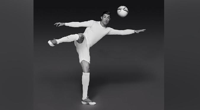 ¡WAO! Cristiano Ronaldo sorprende con los estiramientos más atrevidos- FOTOS