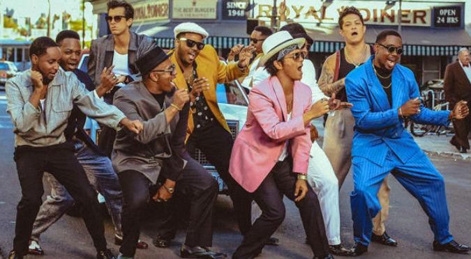 Esta versión de 'Uptown Funk' cantada por 280 películas es INCREÍBLE – VIDEO