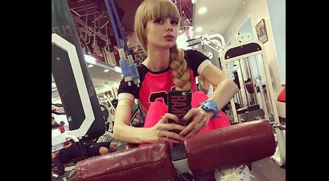 Angélica Kenova: Barbie humana de 26 años que aún es