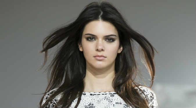 Kendall Jenner es la marinera más sexy - FOTOS