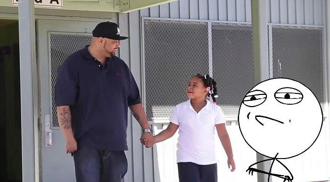 ¡Padre ejemplar! Le hacían bullying a su hija y el tuvo esta genial idea – VIDEO