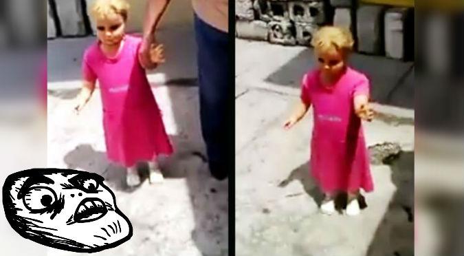 ¡Es Annabelle! Aparece aterradora muñeca que camina sola – VIDEO