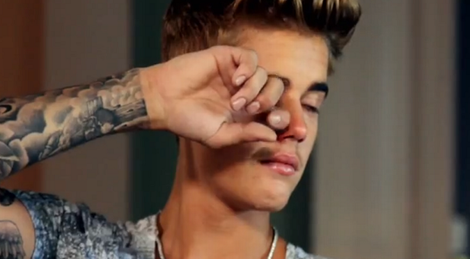 Justin Bieber se quebró en los AMAs...¿por Selena Gomez? - VIDEO