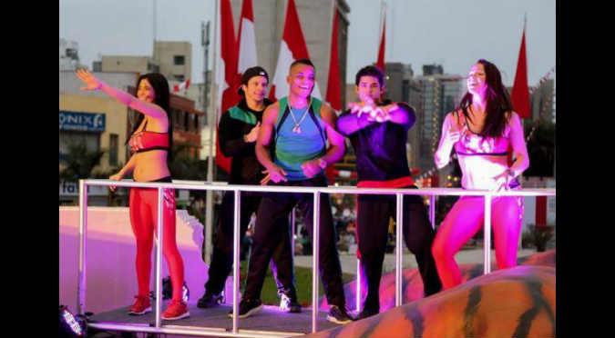 ¡Queeeee! 'Excombatiente' ahora es parte de 'Ven, baila quinceañera'