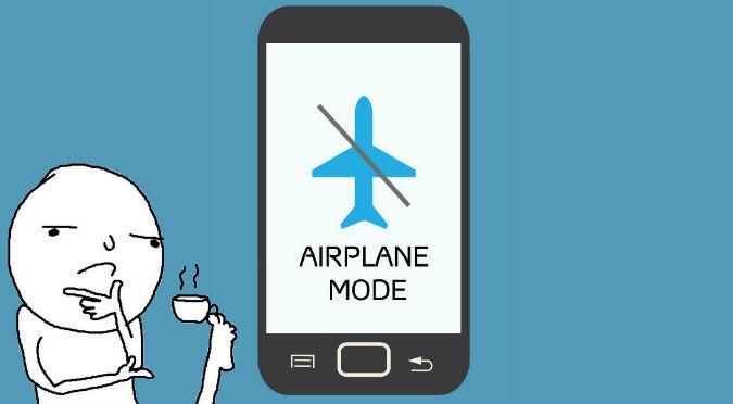 Smartphones: Esto pasa si no pones tu celular en modo avión mientras viajas