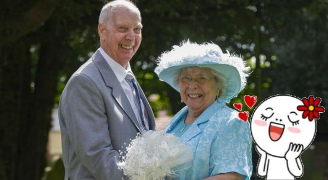 ¡Aún tienes esperanza! Hombre acaba con la 'friendzone' tras 44 años – FOTOS