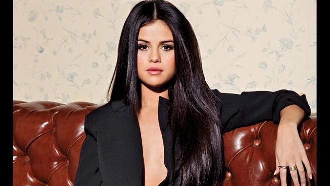 ¡Una bomba sexy! Selena se mostró más sensual que nunca en ropa interior (VIDEO)