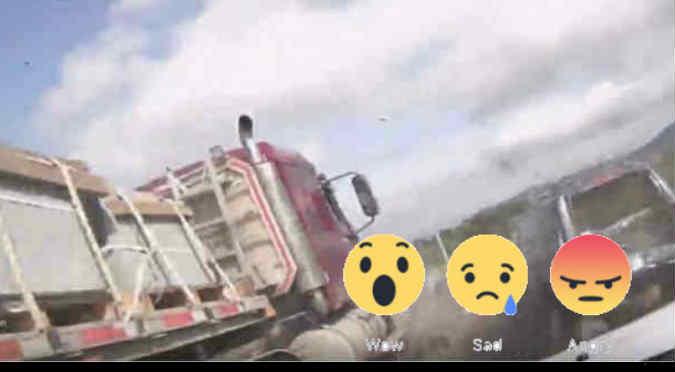 Facebook: ¡Como de película! Mira cómo ocurrió el fatal  choque múltiple de 10 vehículos  - VIDEO