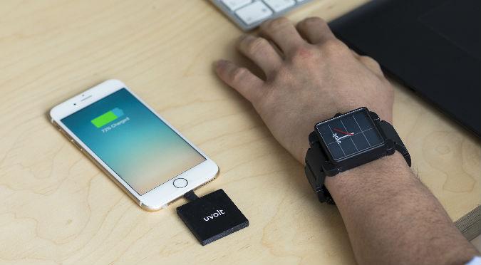 Uvolt Watch: El reloj ecoenergético que carga tu teléfono inteligente