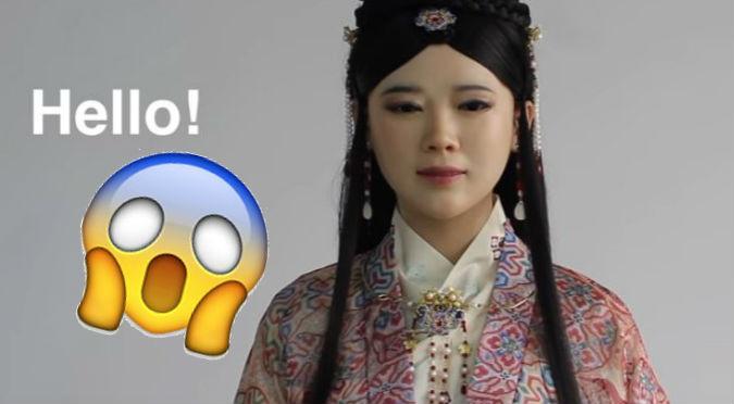 YouTube: Le hacen insólitas preguntas a robot china y contesta así