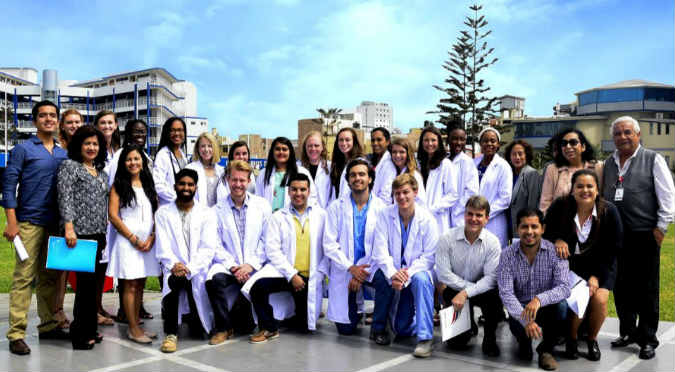Hospitales de Trujillo reciben ayuda de estudiantes de Universidad de Georgia