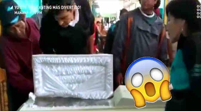 Encuentran ataúd en mercado y se dan con tremenda sorpresa (VIDEO)