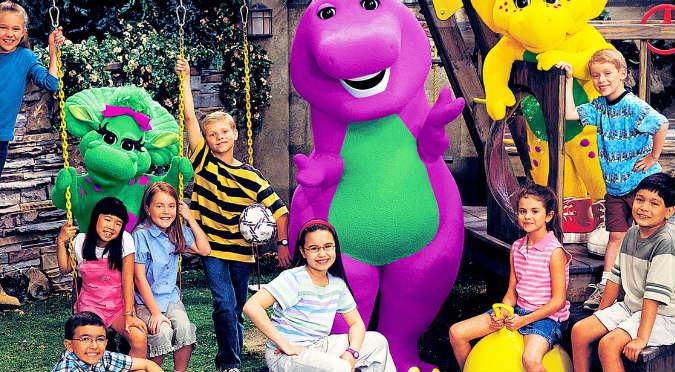 Barney: Actor ahora tiene un trabajo muy hot (VIDEO)