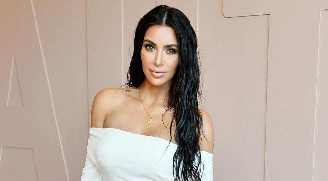 Kim Kardashian luce nueva figura en sexy bikini (VIDEO)