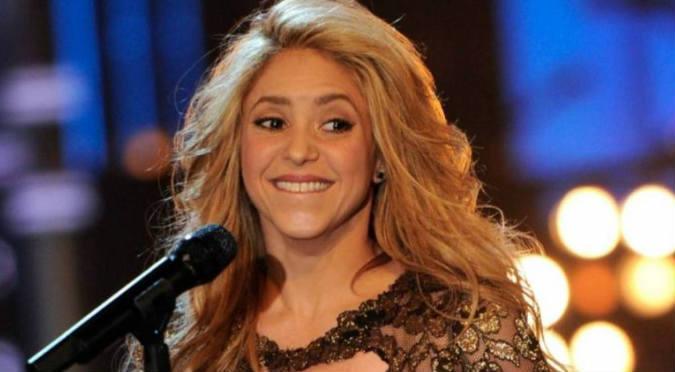 Shakira muestra más de la cuenta en diminuto bikini y se vuelve viral