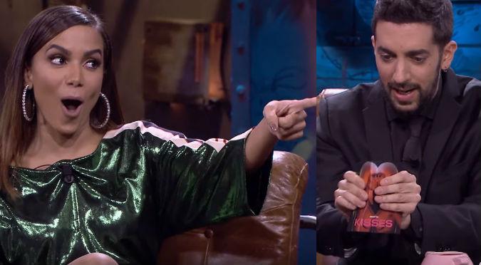 Anitta enloquece al ver que presentador rompe su disco en vivo (VIDEO)