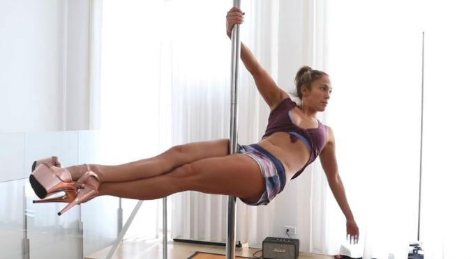Jennifer López y sus sexys movimientos en el pole dance (VIDEO)