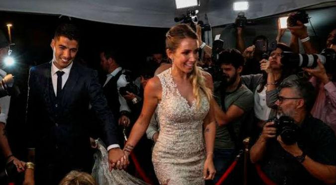 Anuel y Karol G animaron la boda de renovación de votos de Luis Suarez y Sofía Balbi (FOTOS)