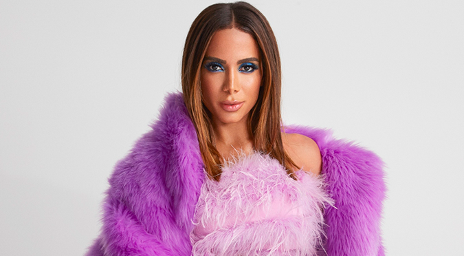Anitta estrena 'Tócame' junto a Arcangel y De La Ghetto | VIDEO