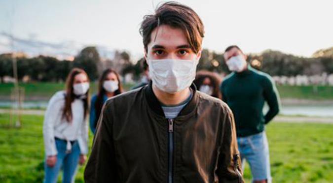 OMS: Cifra de jóvenes contagiados con COVID-19 se ha triplicado en cinco meses