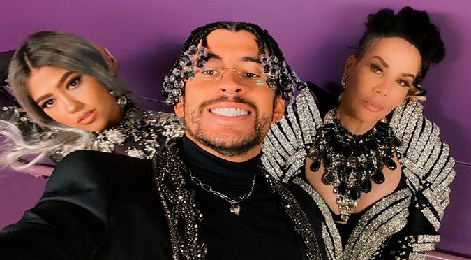 Bad Bunny sorprende con remix de 'Yo Perreo Sola' junto a Ivy Queen y Nesi en los Premios Billboard   VIDEO