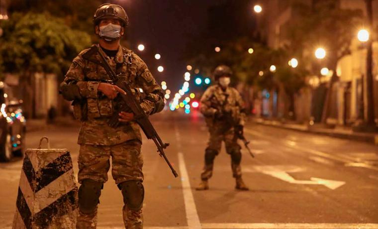 Gobierno oficializa toque de queda desde la medianoche y amplía estado de emergencia