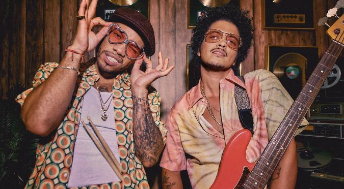 Bruno Mars y Anderson Paak sorprenden con el estreno de