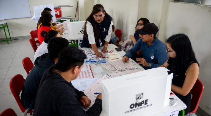 ONPE realiza primera jornada de capacitación para miembros de mesa este domingo 28