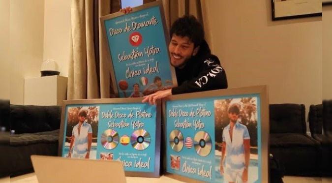 Sebastián Yatra recibe disco de diamante y dos discos doble platino