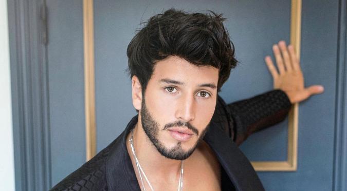 Sebastián Yatra anuncia una nueva colaboración junto a Myke Towers en