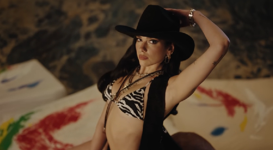 Dua Lipa estrena video de 'Love Again'   VIDEO